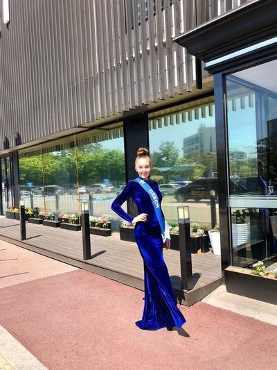 Česká krása opět zabodovala II. vicemiss Look Bella 2018 Denisa Korešová získala titul II. vicemiss na soutěži SuperTalent of the World 2019