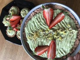 Mandlovo-ovesný dortík s avokádovým krémem